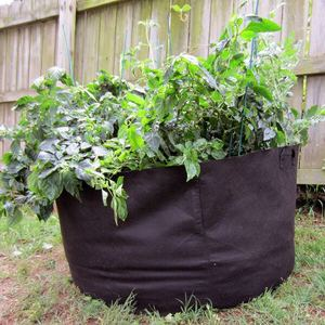 Nonwoven fabric planter pot